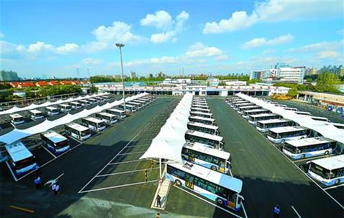 国内最大纯电动车停车场在上海启用