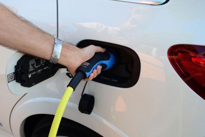 柴油汽车形象受损 近半数英国人愿购买电动汽车