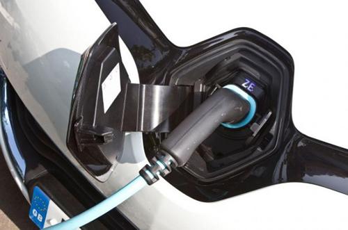 英国延长电动汽车购车补贴至2018年3月底