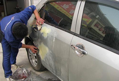 色漆划伤了怎么办?教你修复汽车刮蹭的6个小妙招