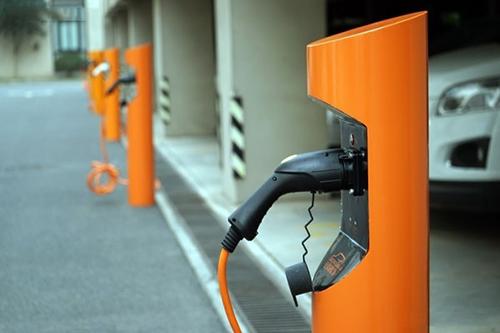 電動汽車充電樁安裝攻略:如何與物業溝通?