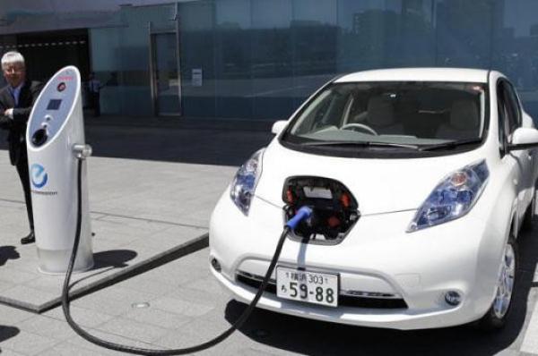 日本发布2020年100万辆普及目标 力促电动汽车前行