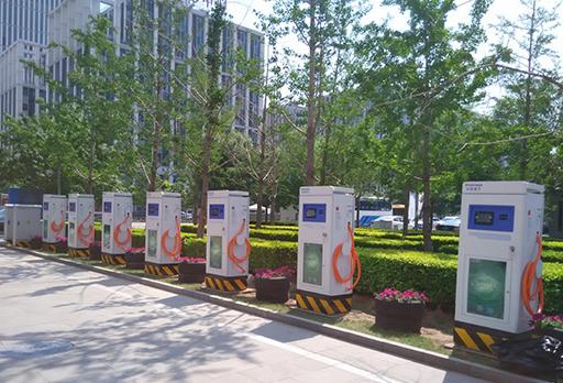 桂林将在市区选4个点试点建设新能源汽车充电设施