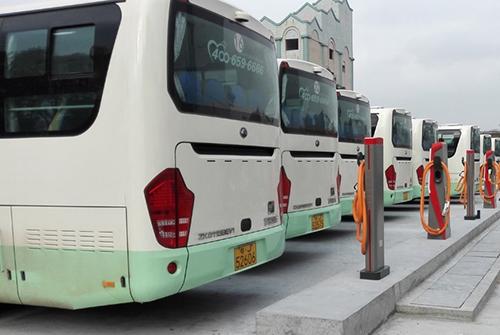 台山市首座电动汽车智能充电站建成