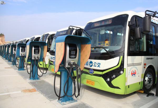 深圳大鹏新区公交车年内全换成新能源车