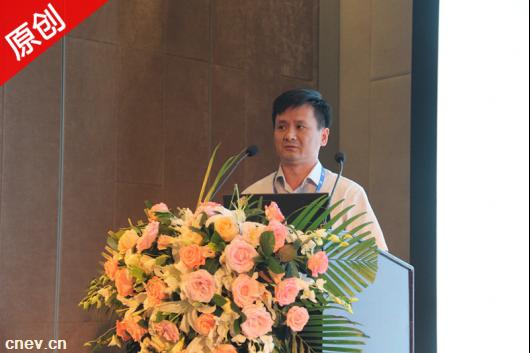 茹彩忠:充电技术多样化分析  充电桩并非不二之选