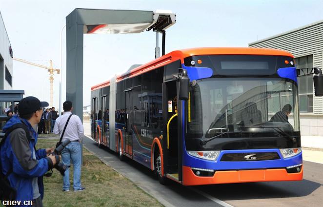 巴黎购中国电动公交车 法企业家:这是蔑视