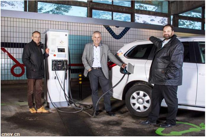 瑞士首座高山电动车充电站于1月正启用
