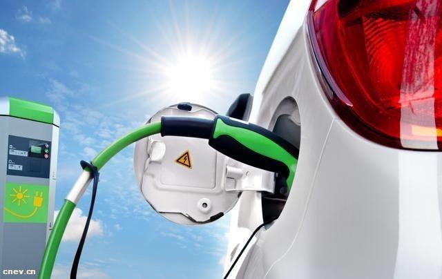 """新能源汽车合资不能再走""""市场换技术""""的老路"""