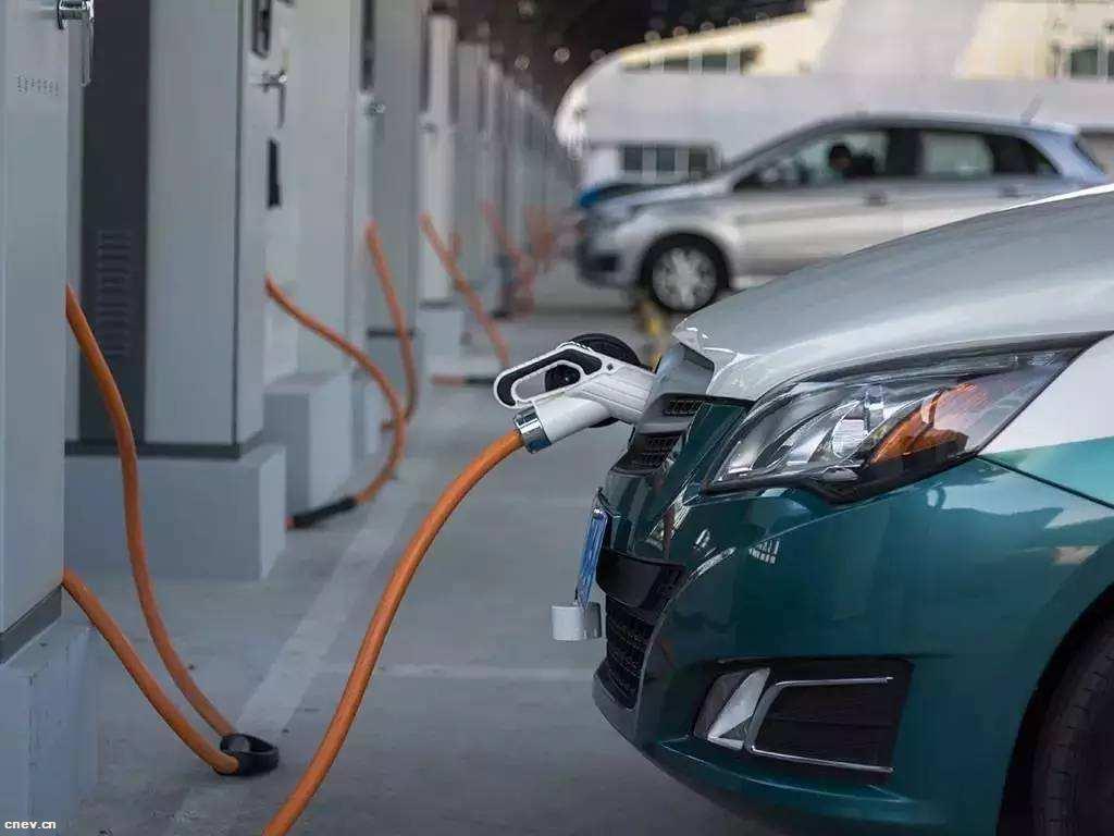 发改委:新能源汽车生产资质审批并未重启