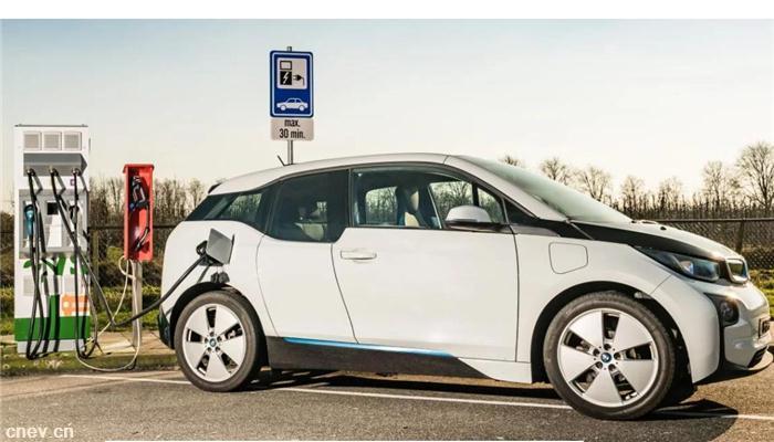 宝马与保时捷等车企联手 致力于打造450 kW电动车快充技术