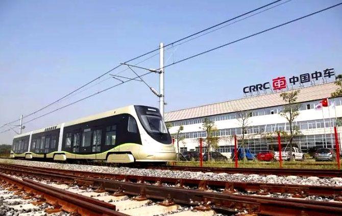 新型氢能源有轨电车下线 加氢一次行驶100公里