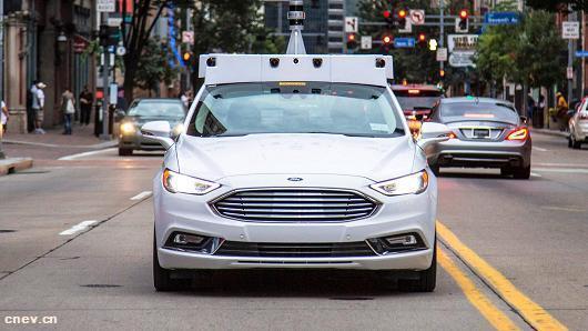 福特在迈阿密测试自动驾驶汽车送披萨服务