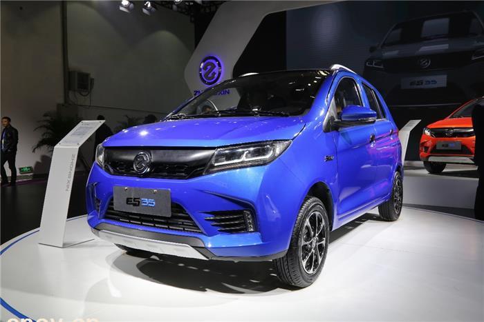 直击济南展丨产品先行 众新全新智能跨界SUV ES35上市发布