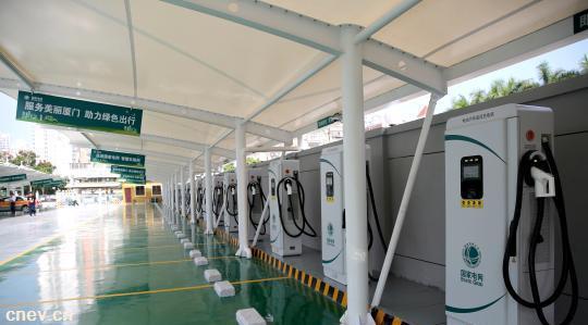 福建厦门最大充电站投入运营 配备40个60千瓦的直流快充桩