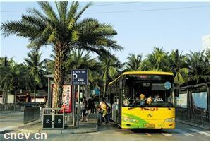 海南海口:互联网+智慧新能源公交 引领绿色交通发展