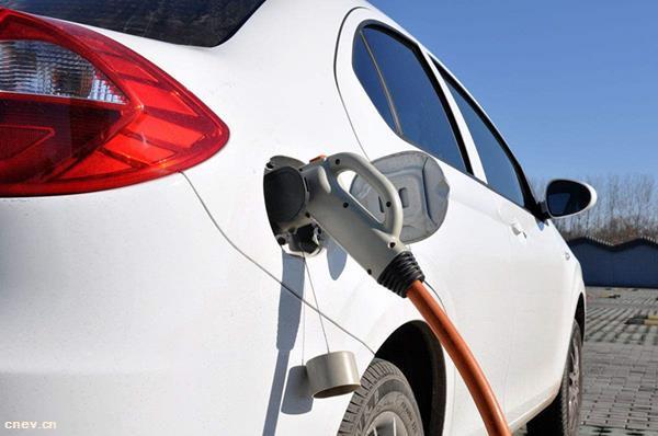 洛阳今年已建成136个充电桩 投用后可用手机支付