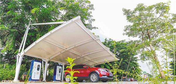 环岛高速服务区 电动汽车可充电
