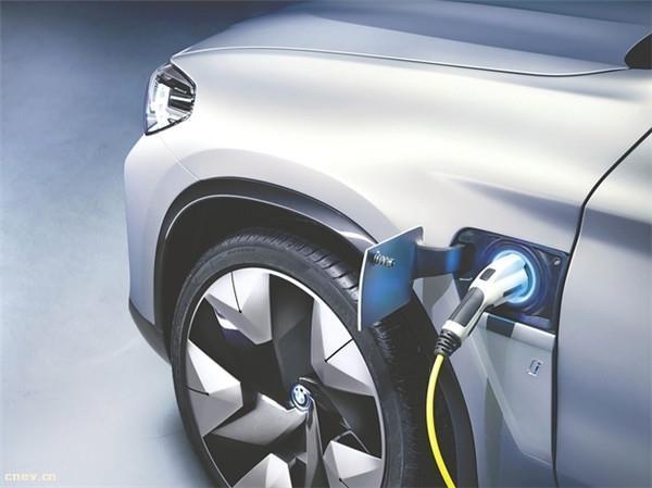 2018中国汽车产业蓝皮书:聚焦新能源发展思路!