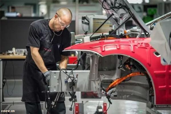 EV早报:市场监管总局发文 完善新能源汽车三包条款;上海市发布能源汽车车型申请信息 120款车型在内