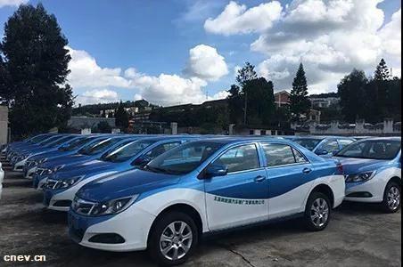 云南玉溪:首批100辆新能源出租车投入使用