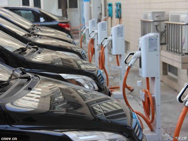 充电联盟:10月 公共充电桩累计上报28.5万台
