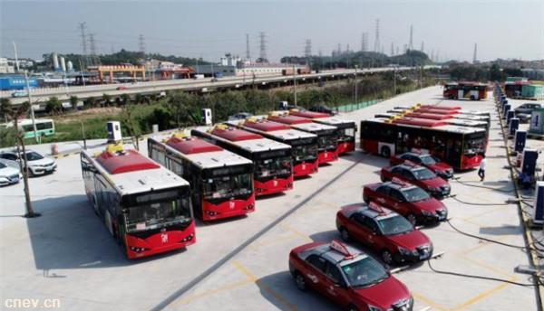 广州番禺:首个大型纯电动公交车充电站在南村镇落成