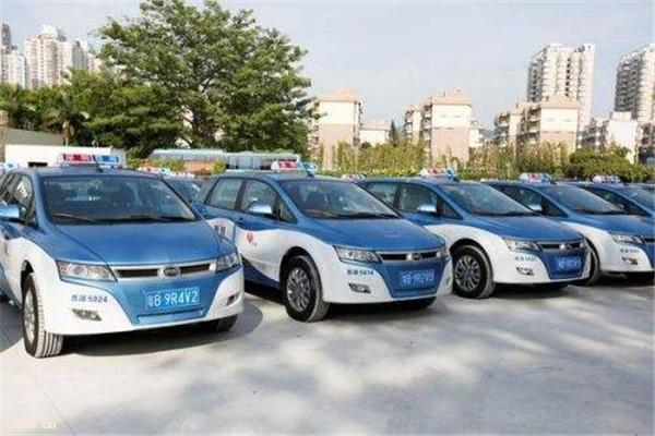 深圳出租车将实现纯电动化 充电桩缺口将达4000个