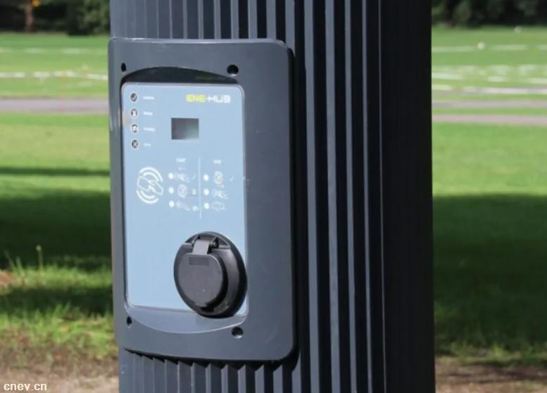 澳大利亚启用智能灯杆试点 可提供电动车充电服务