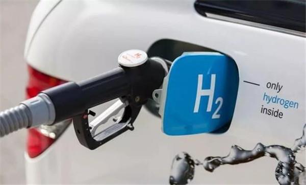 湖北武汉:中国首辆氢能碳纤维车身乘用车诞生