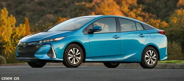 丰田开放混动技术,是燃油车的最终垂死挣扎?