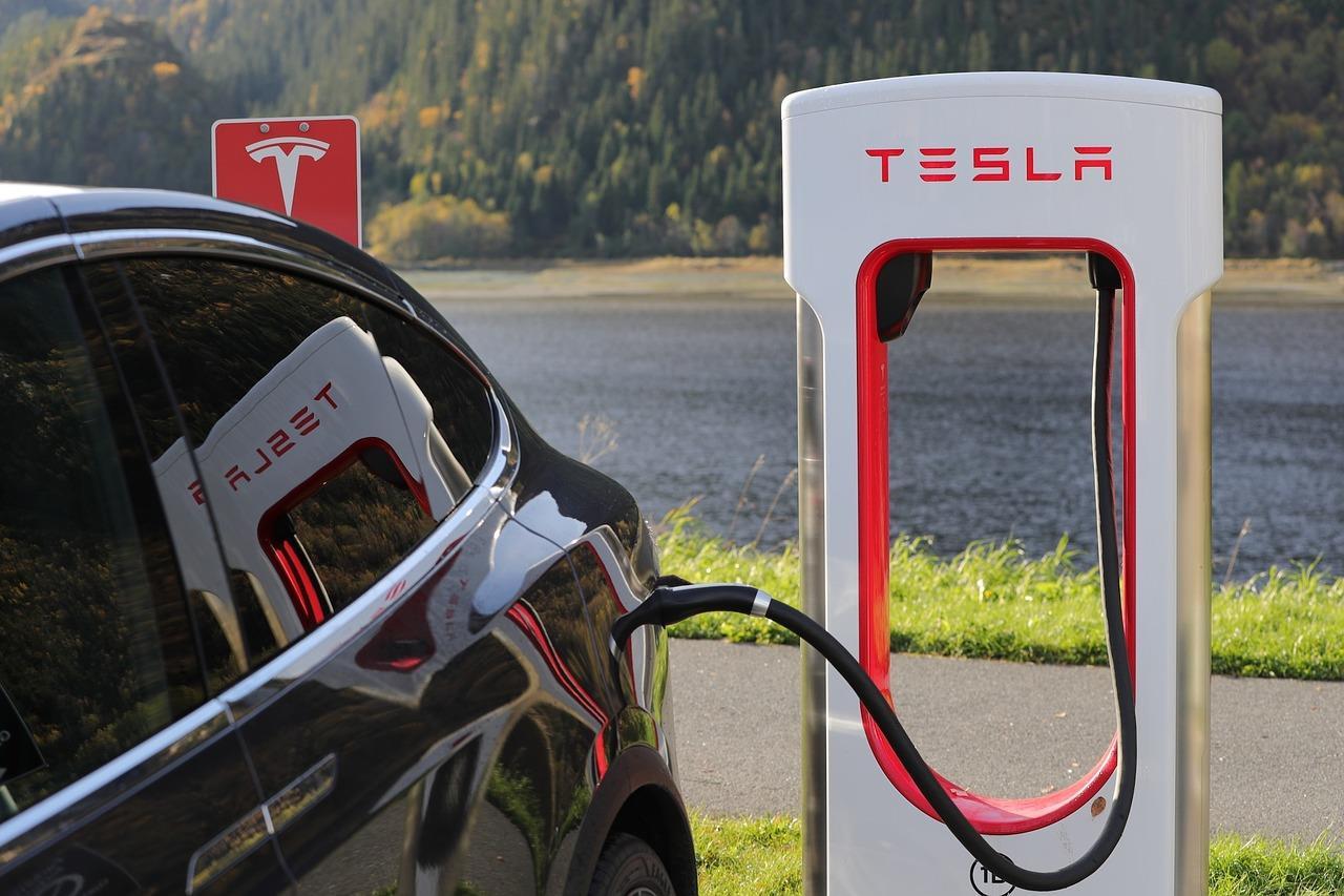 特斯拉研发新锂电池技术路线