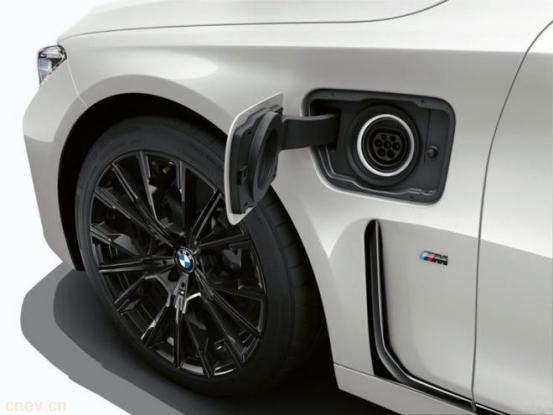 i7来了?宝马或将为7系车型推出纯电版本