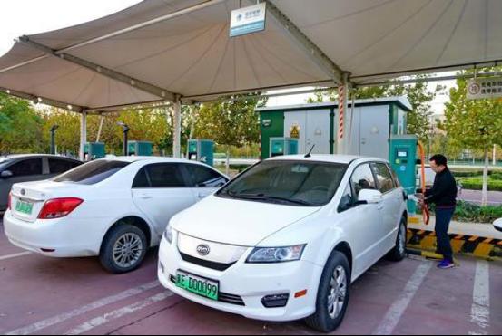 充电便利直接提升了车主的远行信心,现今澳门皇冠永久真人汽车已成为出行一大主力