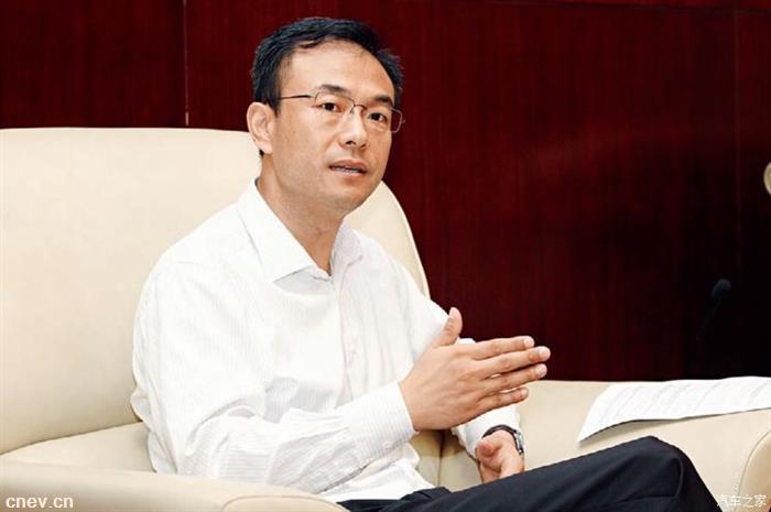 关注   原北汽新能源总经理郑刚正式加盟华为