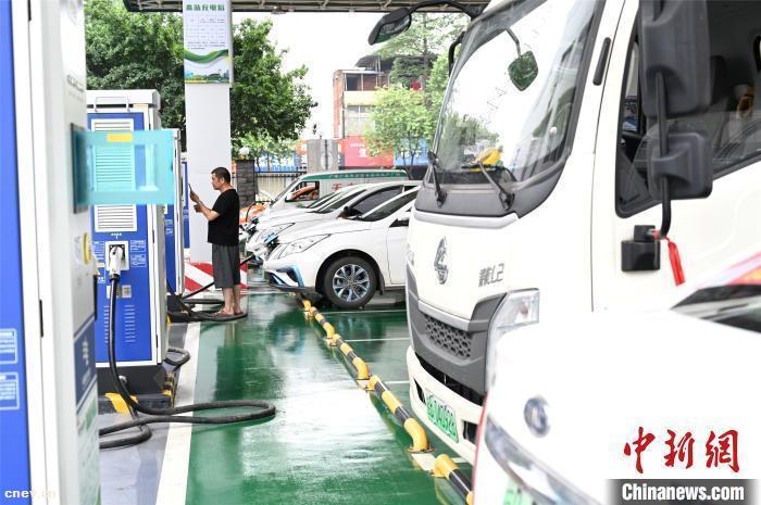 多国电动汽车产业快速发展