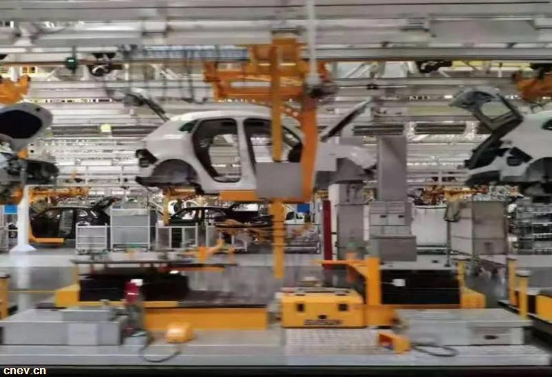 聚焦两会 丨 车圈大佬热议芯片、新能源、智能汽车