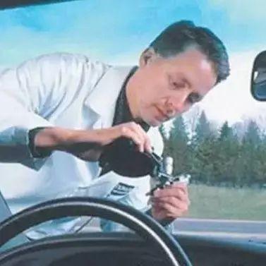 汽车前风挡玻璃居然也需要保护?