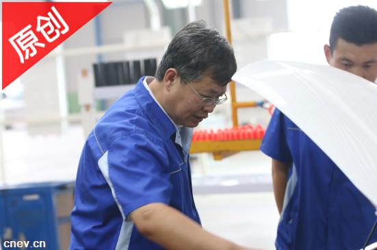 潮流人物 | 从技术员到行业领军人物 王洪君30年专注为老百姓造好车