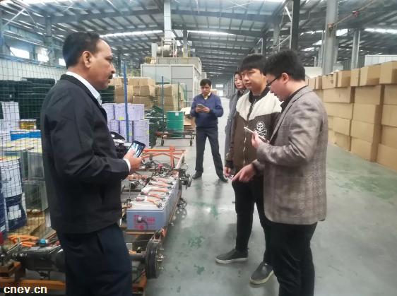 大河公司与尼泊尔客商达成意向合作:DH350右舵车型布局海外市场