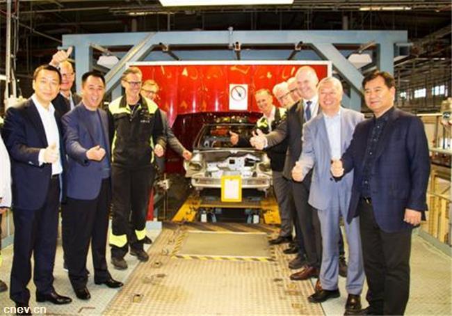 许家印视察恒大NEVS瑞典总部  点赞顶尖新能源造车技术