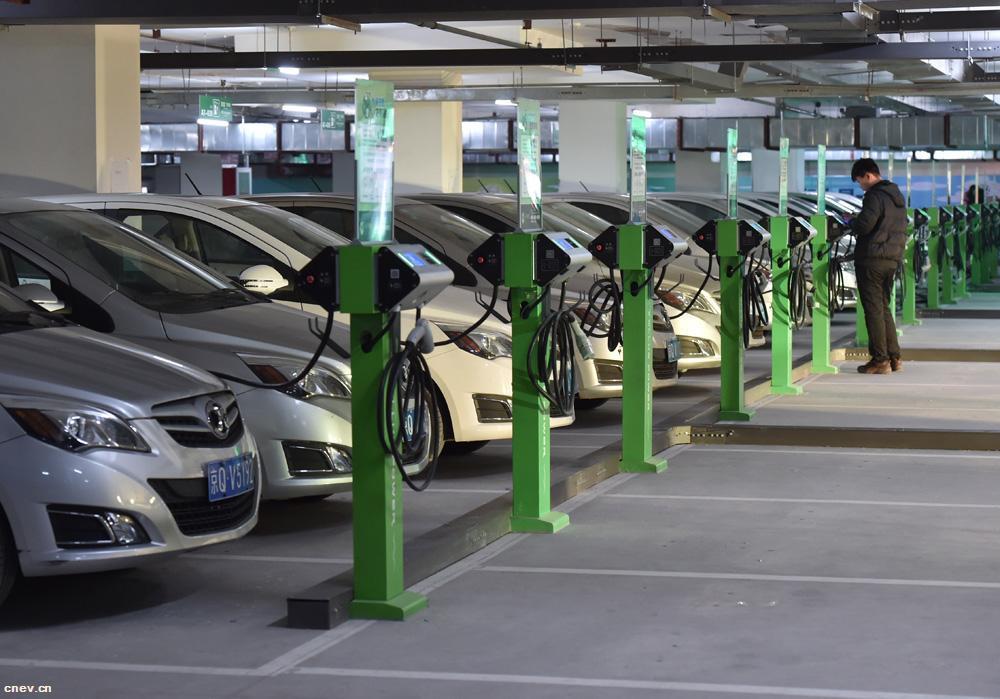 首批新能源汽车电池退役,旧动力电池何去何从