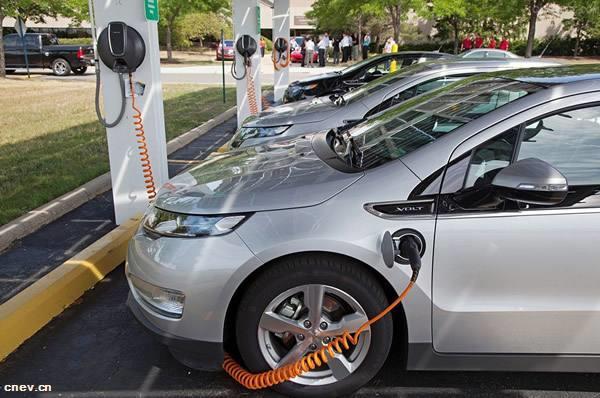 济南市研究加快推进新能源汽车充电基础设施建设等工作