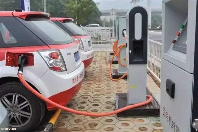 合肥将允许新能源汽车在非高峰时段使用公交专用道